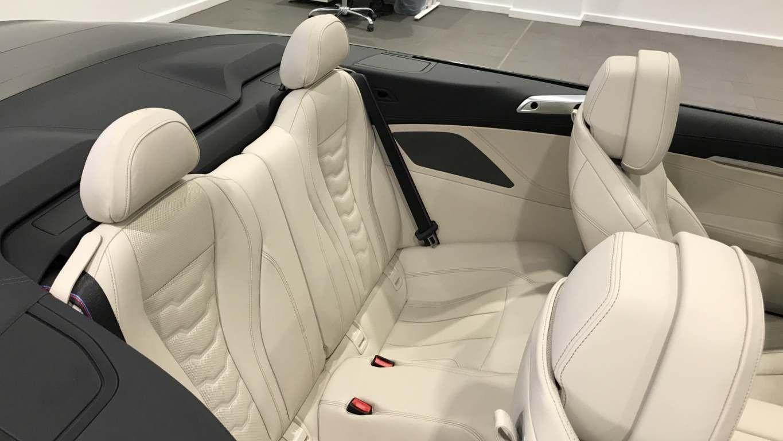 Image 12 - BMW M850i xDrive Convertible (YC69FNL)