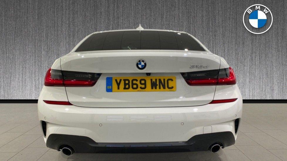 Image 15 - BMW 318d M Sport Saloon (YB69WNC)