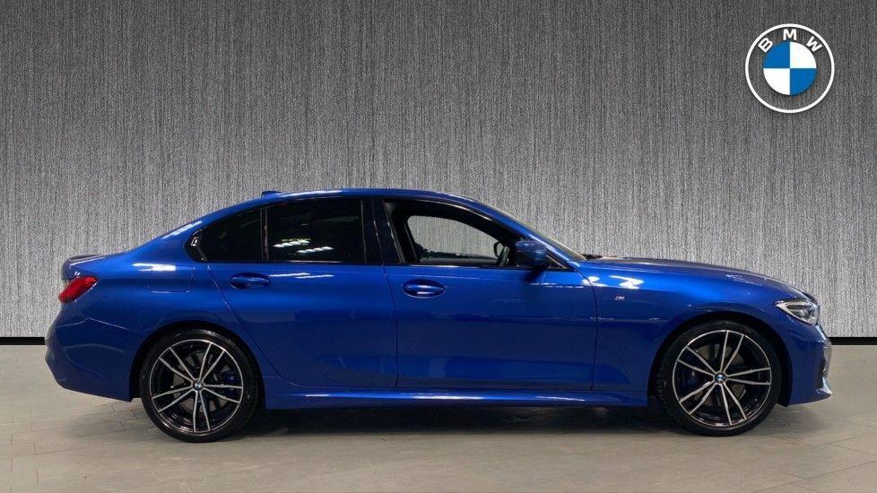Image 3 - BMW 320i M Sport Saloon (YG20NWC)