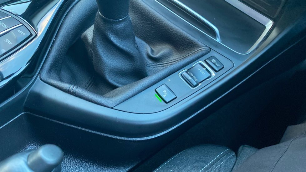 Image 20 - BMW 118i Sport 5-door (ML68OLU)
