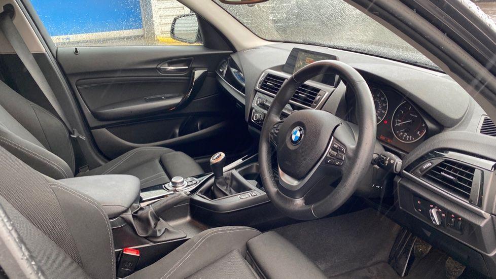Image 5 - BMW 118d Sport 5-Door (NL67GSV)