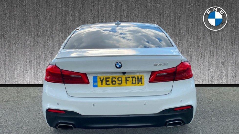 Image 15 - BMW 520i M Sport Saloon (YE69FDM)