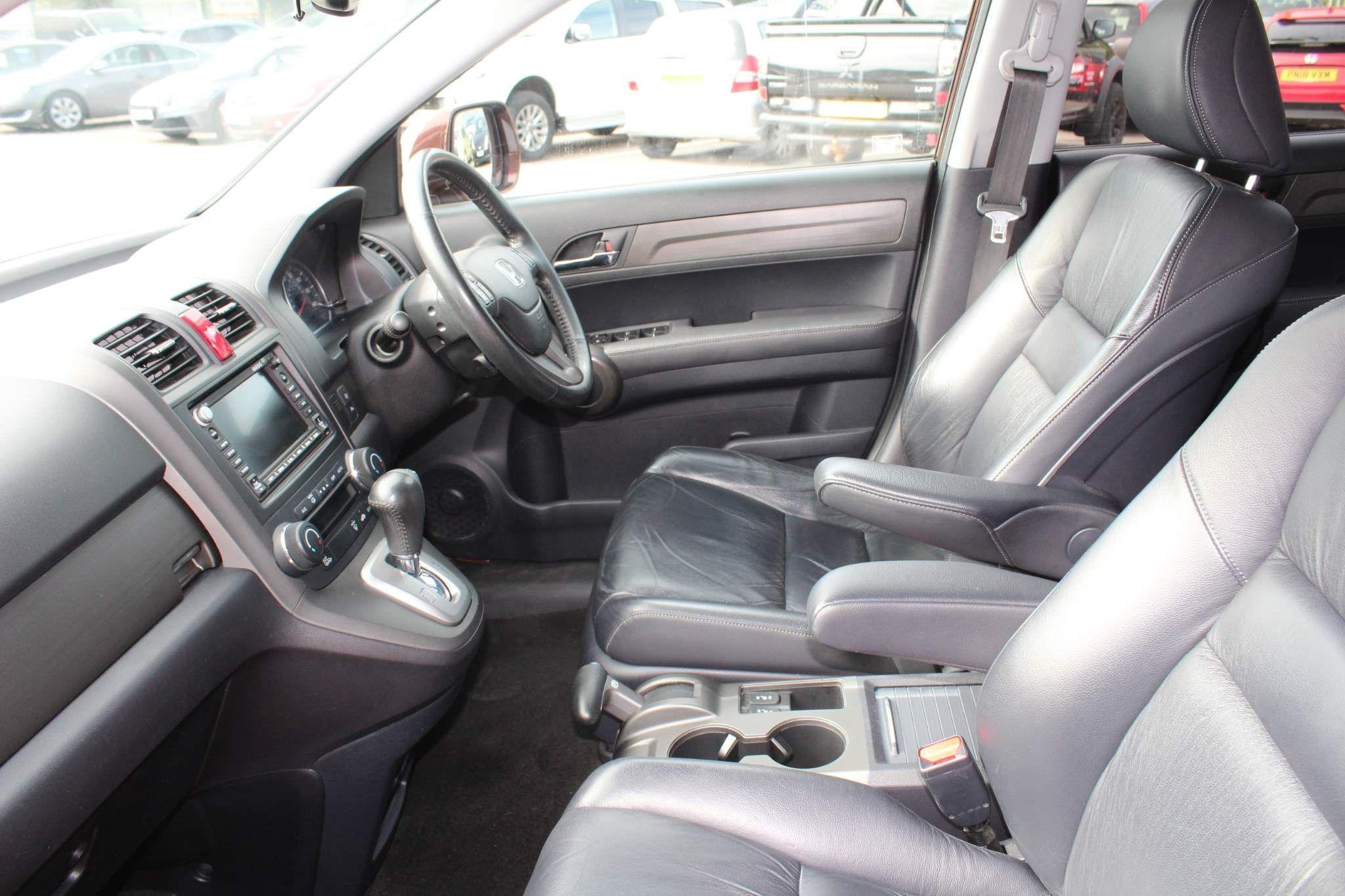 Honda CR-V Images