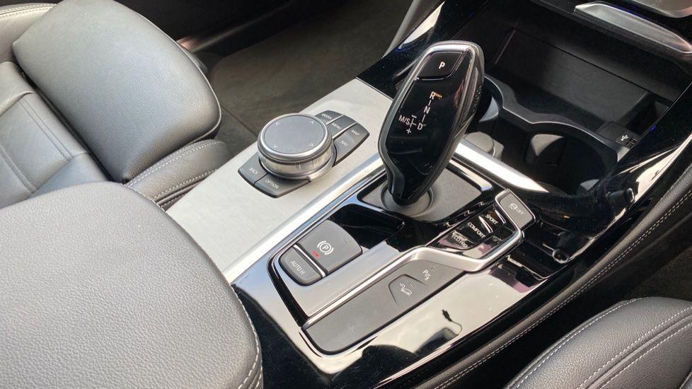 Image 10 - BMW xDrive30d M Sport (MJ19WHP)