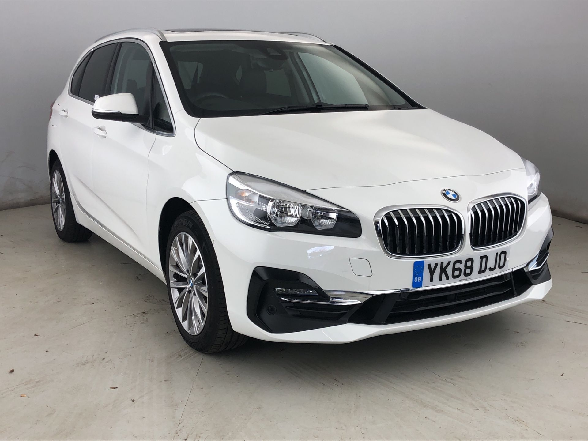 Image 1 - BMW 220d Luxury Active Tourer (YK68DJO)