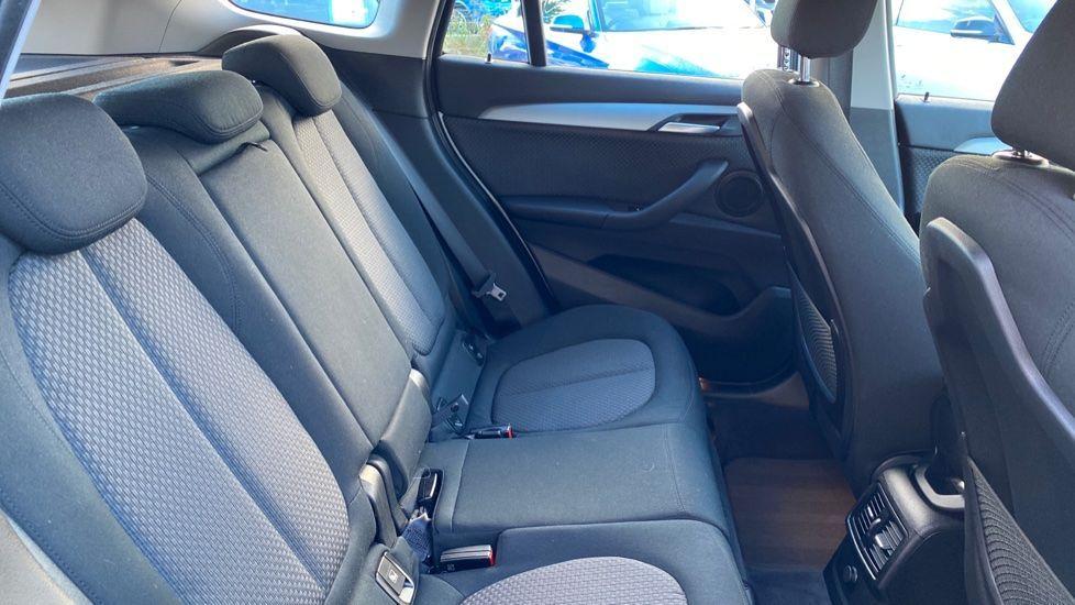 Image 15 - BMW sDrive18d SE (CX66WGJ)