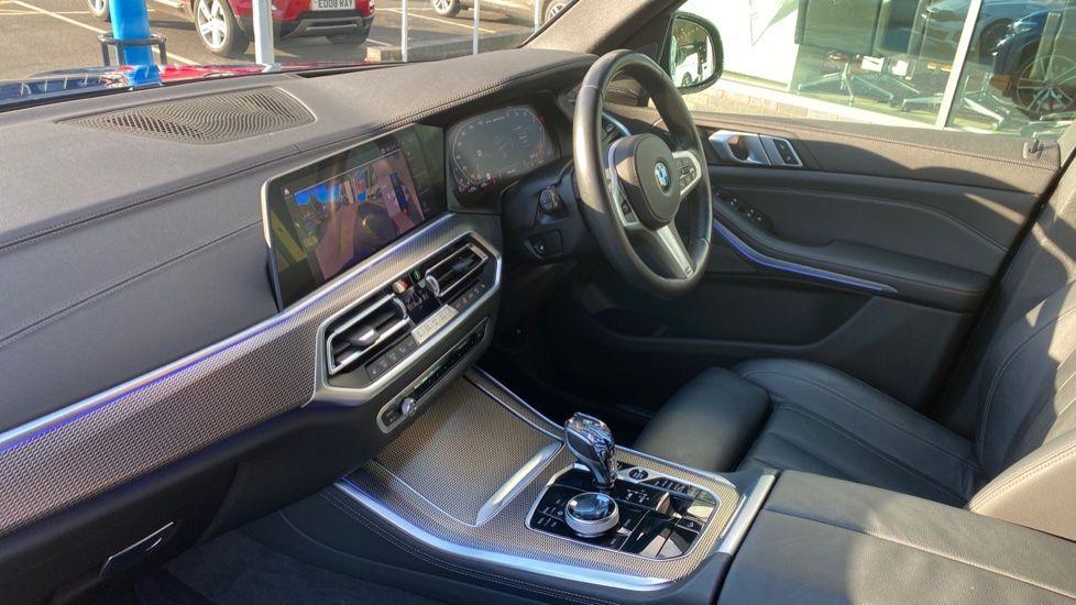 Image 7 - BMW M50d (DG19XKD)
