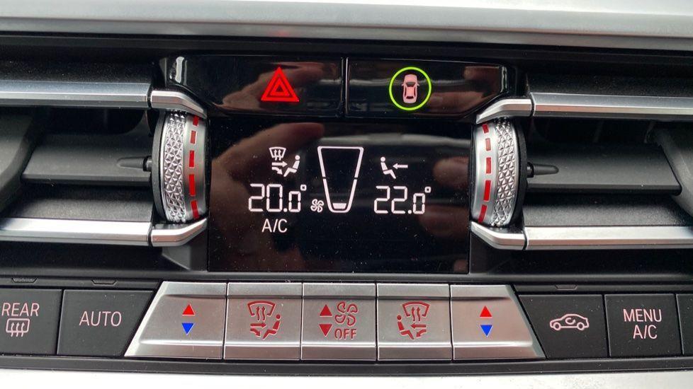Image 19 - BMW 320i M Sport Touring (YG20JRO)