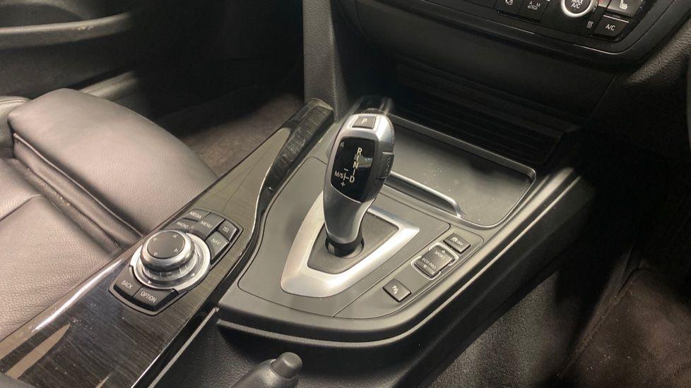 Image 10 - BMW 420i xDrive SE Coupe (PE17MVF)