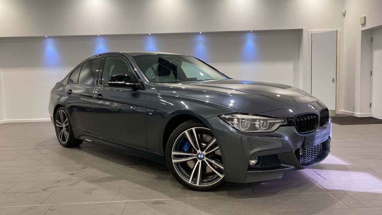 Image 17 - BMW 330d M Sport Saloon (MM17UNE)