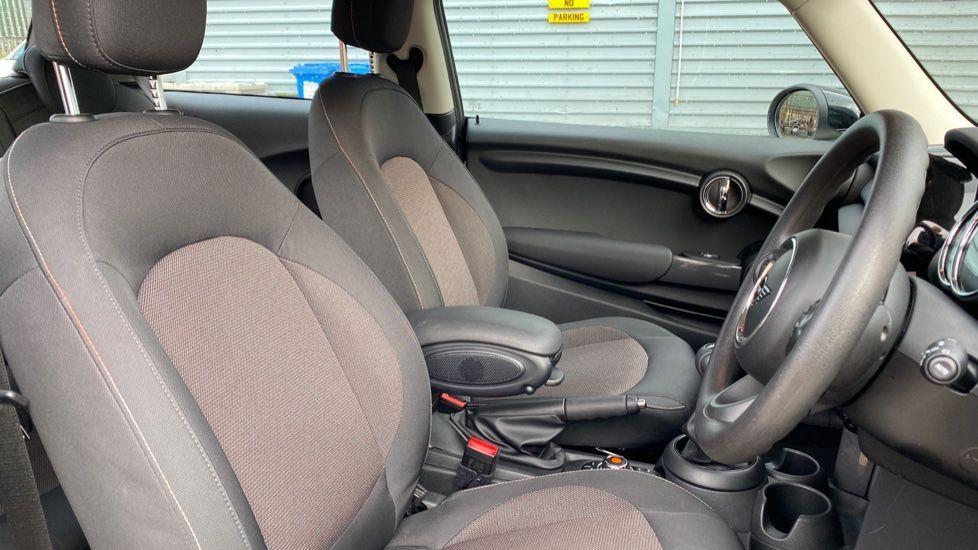 Image 11 - MINI Hatch (MX69WTM)
