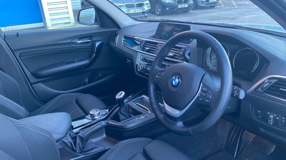 Image 5 - BMW 118i Sport 5-door (ML68OLU)