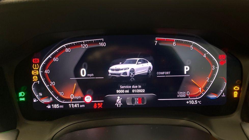 Image 9 - BMW 320i M Sport Saloon (YG20LFU)