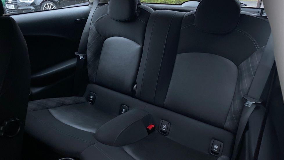 Image 12 - MINI Hatch (WD16VGX)