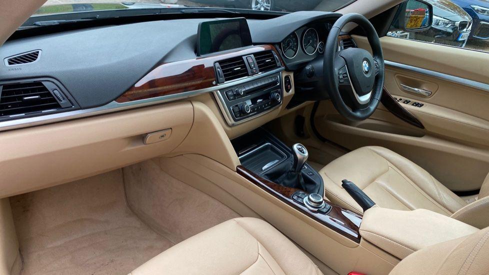 Image 6 - BMW 320d Luxury Gran Turismo (MX64WDM)