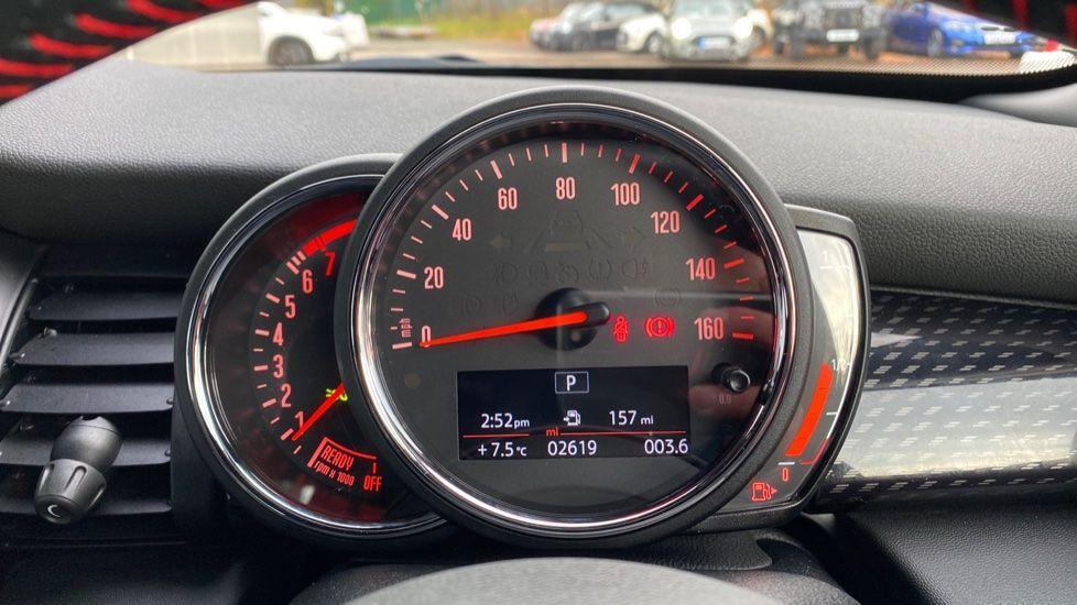 Image 9 - MINI Hatch (YB69YTR)