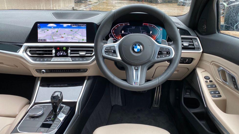 Image 8 - BMW 320d M Sport Pro Edition Saloon (MA20HPF)