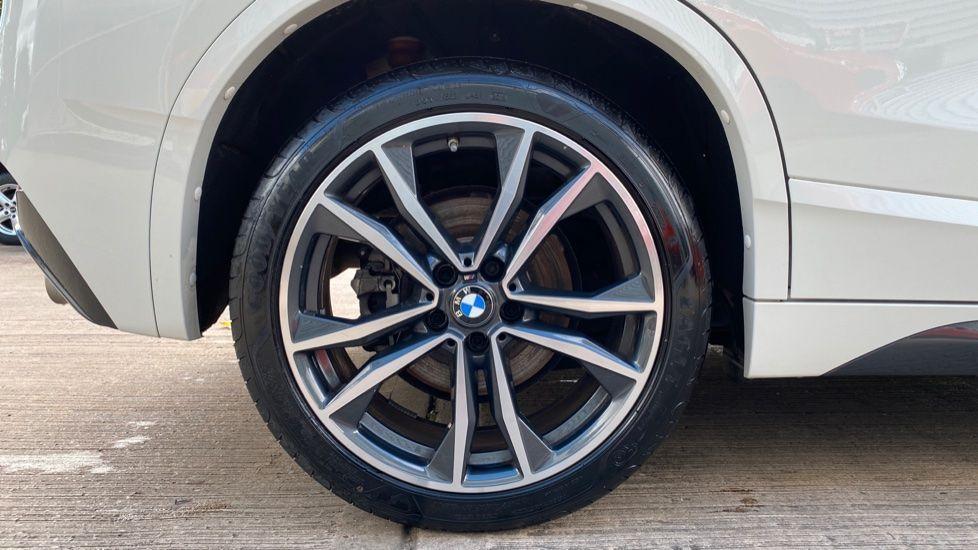 Image 14 - BMW sDrive20i M Sport (MF69JNV)
