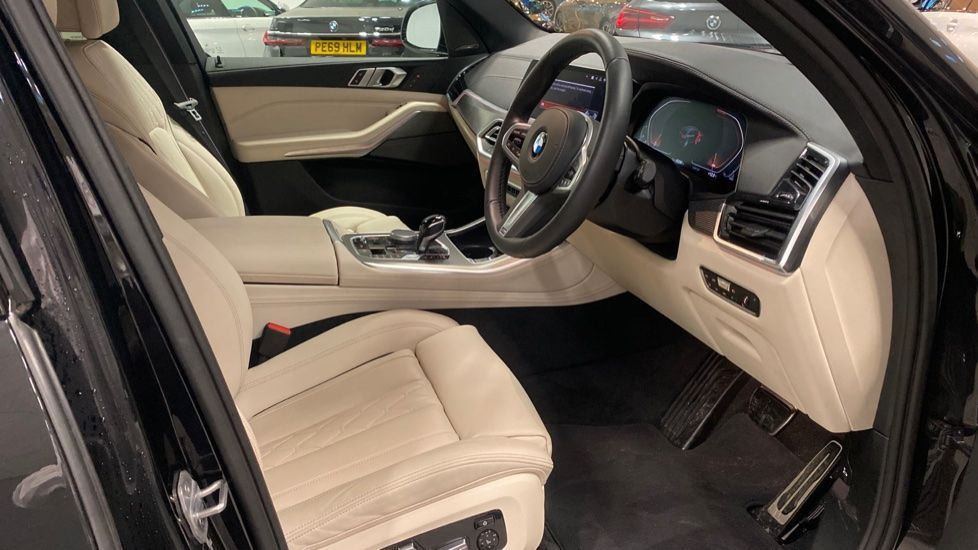 Image 11 - BMW xDrive40i M Sport (YE20DWY)