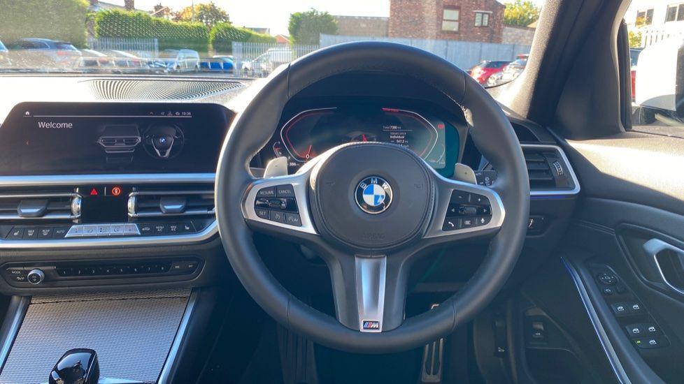 Image 8 - BMW 320i M Sport Touring (YG20DHF)