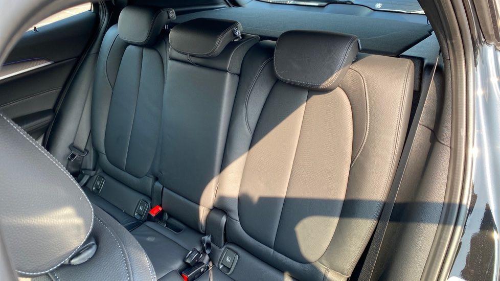 Image 12 - BMW sDrive18d M Sport X (CX20JYL)