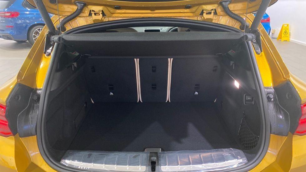 Image 13 - BMW xDrive18d M Sport (DE70OYV)