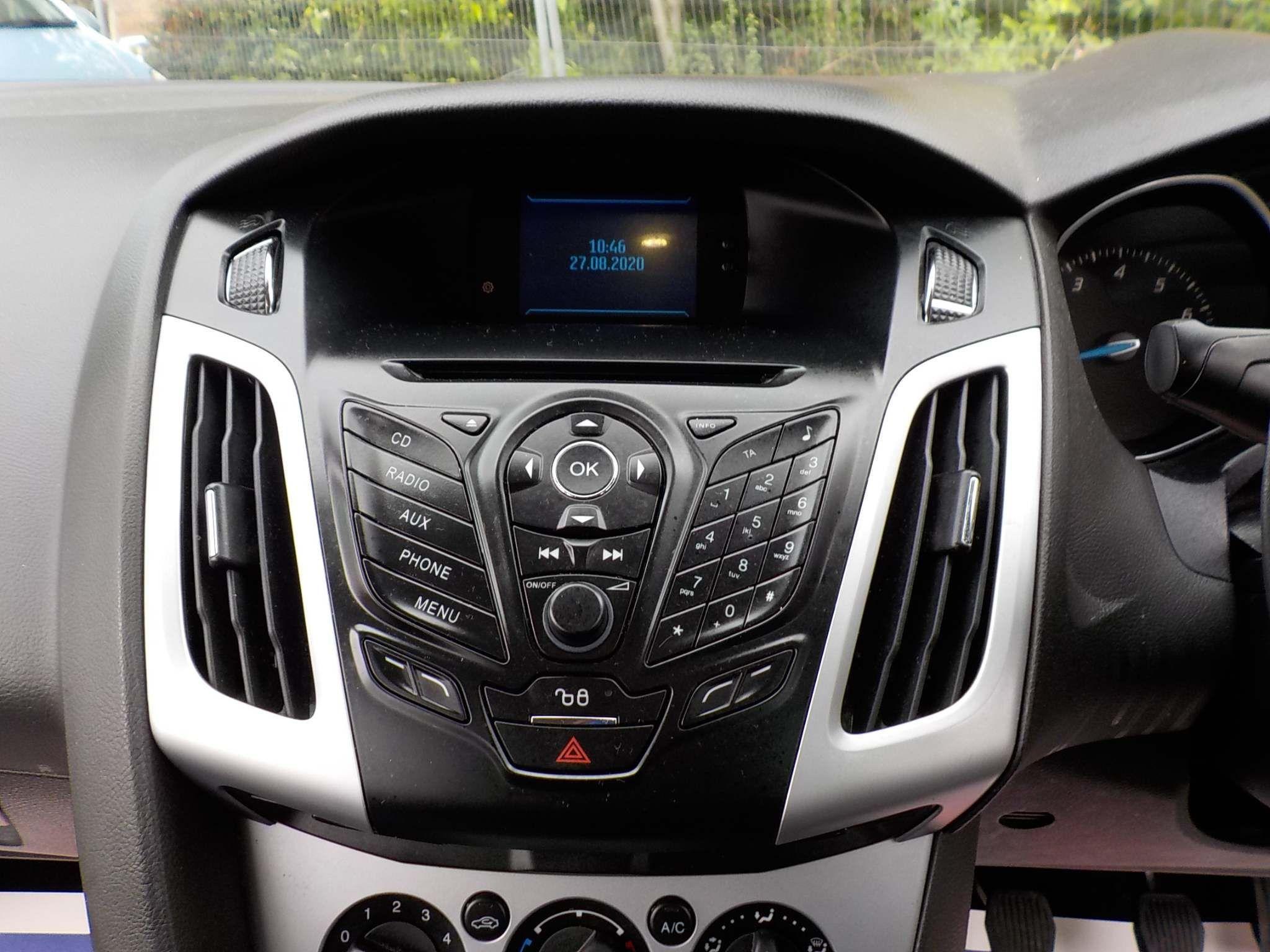 Ford Focus 1.6 Ti-VCT Zetec 5dr