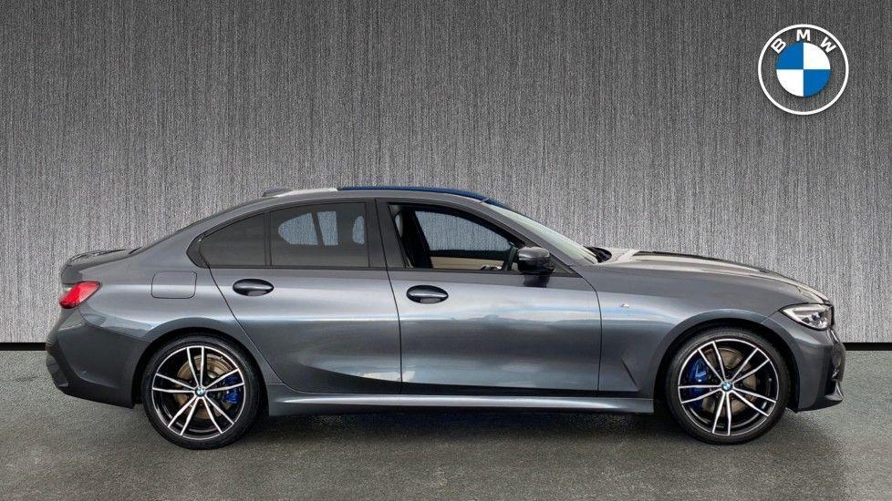 Image 3 - BMW 320i M Sport Saloon (LR19JPO)