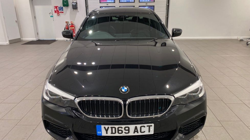 Image 12 - BMW 520d M Sport Saloon (YD69ACT)