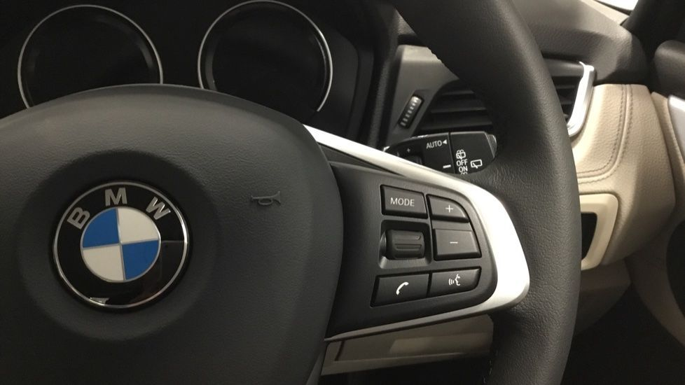Image 18 - BMW 218i Luxury Active Tourer (PJ20PVX)