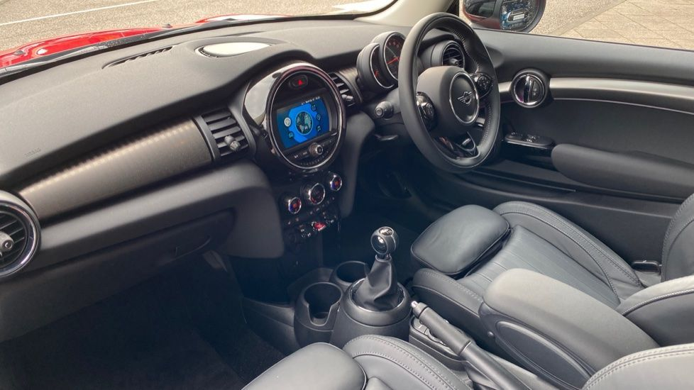 Image 6 - MINI Hatch (DK20JZR)