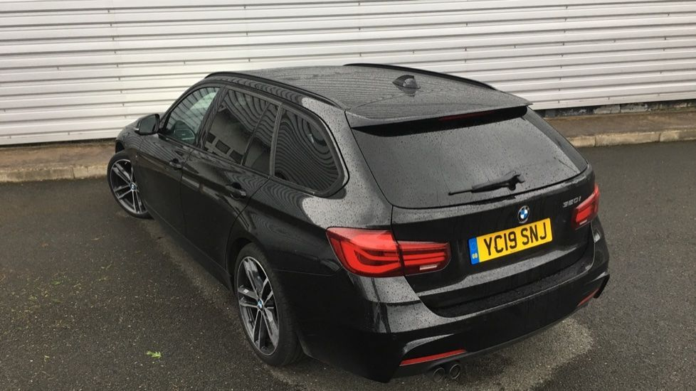 Image 30 - BMW 320i M Sport Shadow Edition Touring (YC19SNJ)