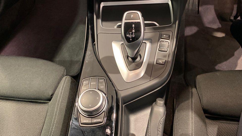 Image 6 - BMW 220i Sport Coupe (YG69GFJ)
