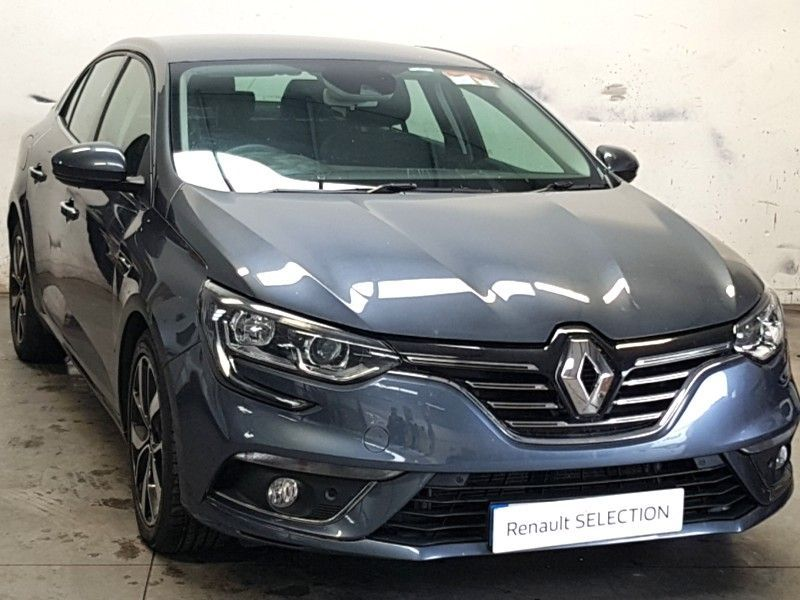 Renault Megane IV GRAND COUPE ICONIC