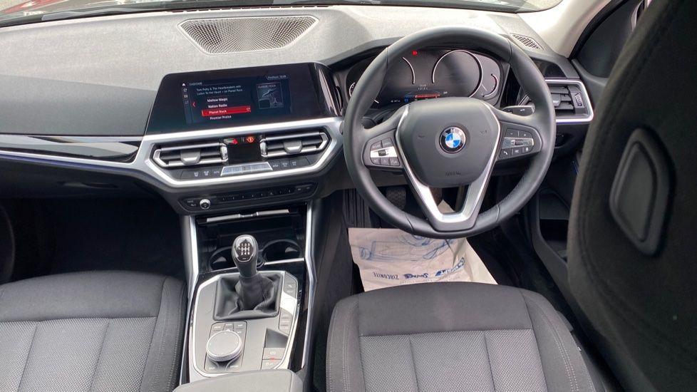 Image 4 - BMW 320d SE Saloon (YJ69RSF)