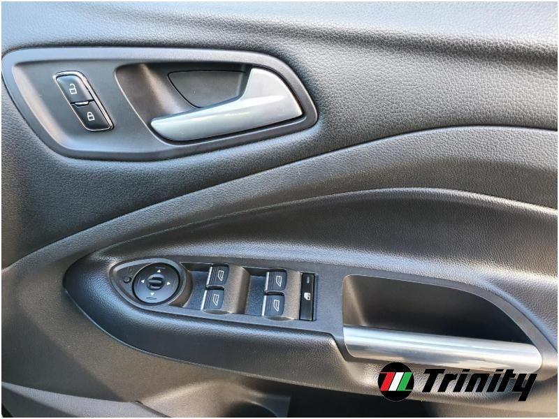 Used Ford Kuga ** TITANIUM ** STUNNING SUV ** HUGE SPEC ** TRINITY MOTORS ** (2016 (162))