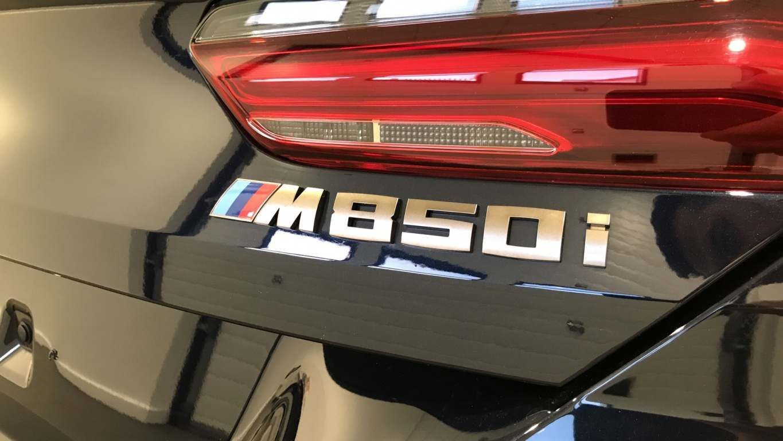 Image 22 - BMW M850i xDrive Convertible (YC69FNL)
