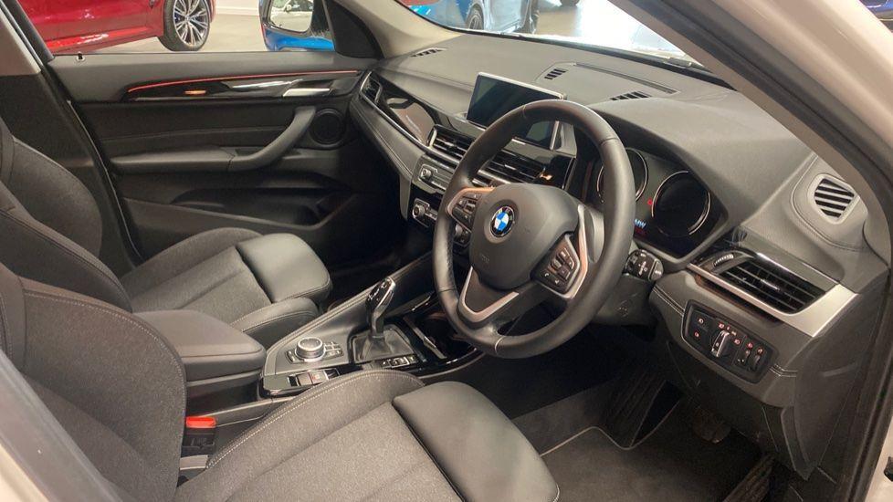 Image 5 - BMW sDrive18i Sport (YH20PYY)