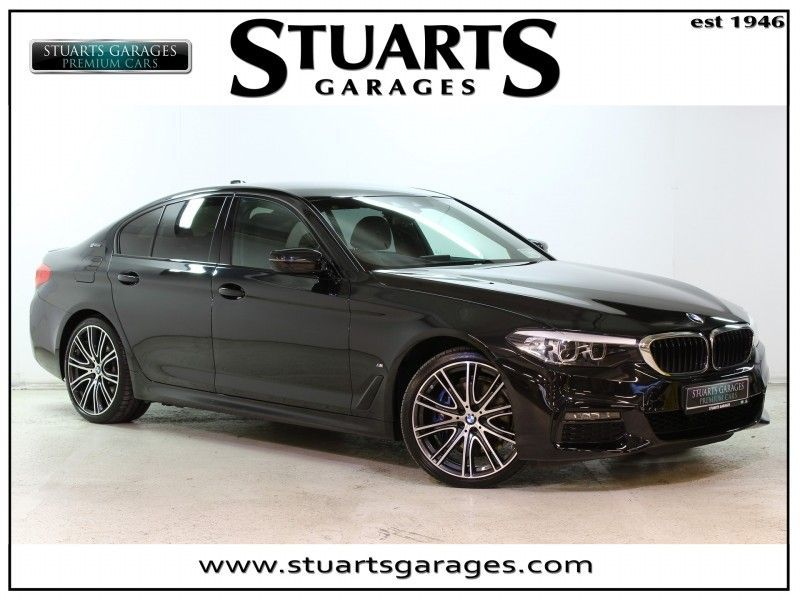 BMW 5 Series 530e PLUG-IN HYBRID M-SPORT: PLUS PACK, 20 ALLOYS, HARMON KARDON, REVERSING CAMERA, REAR SPOILER, SUN PRO GLASS BLUE CALIPERS, HEATED SEATS