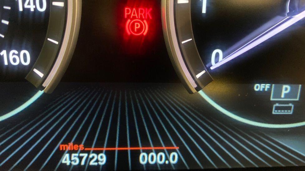Image 8 - BMW xDrive40e M Sport (LG67FMY)
