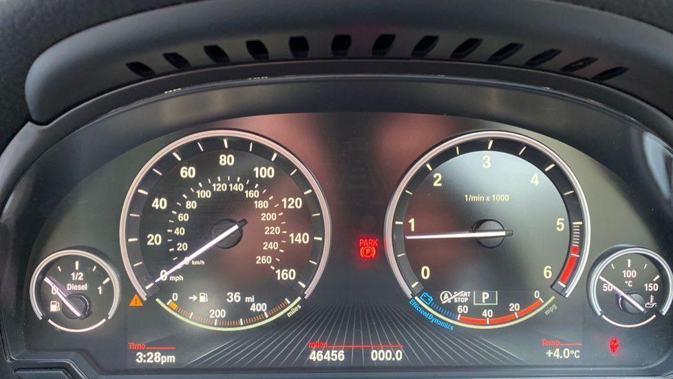 Image 9 - BMW 520d SE Touring (YF65WWD)