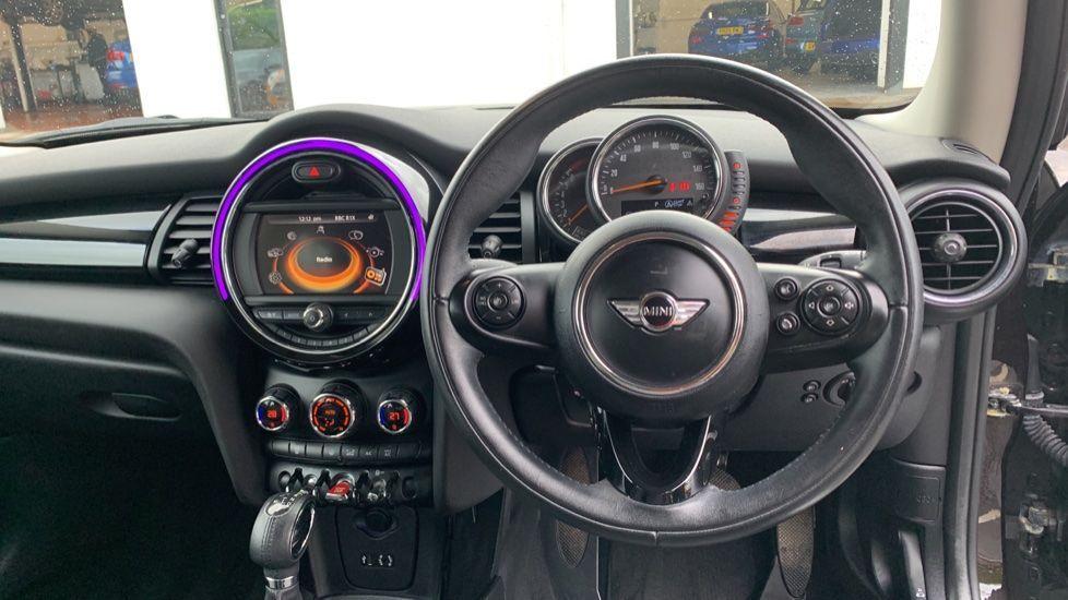 Image 8 - MINI Hatch (MV65FXH)