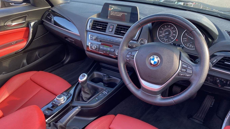 Image 10 - BMW 218d Sport Convertible (MJ17EAY)