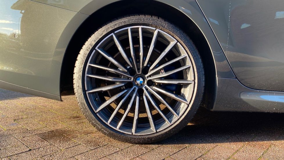 Image 14 - BMW 840i Gran Coupe (YE69WNX)