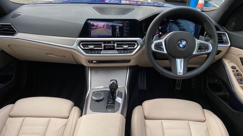 Image 4 - BMW 330e M Sport Saloon (YH69DJD)