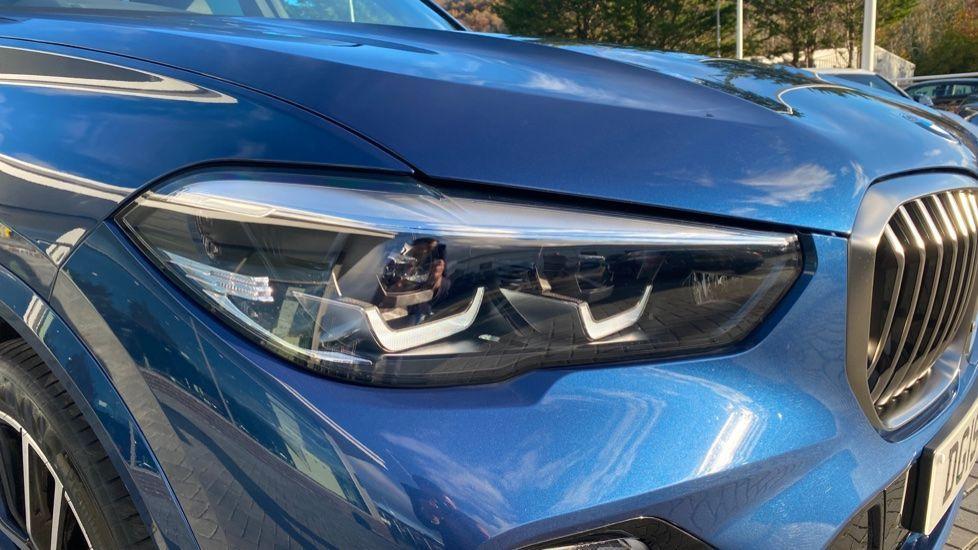 Image 21 - BMW M50d (DG19XKD)