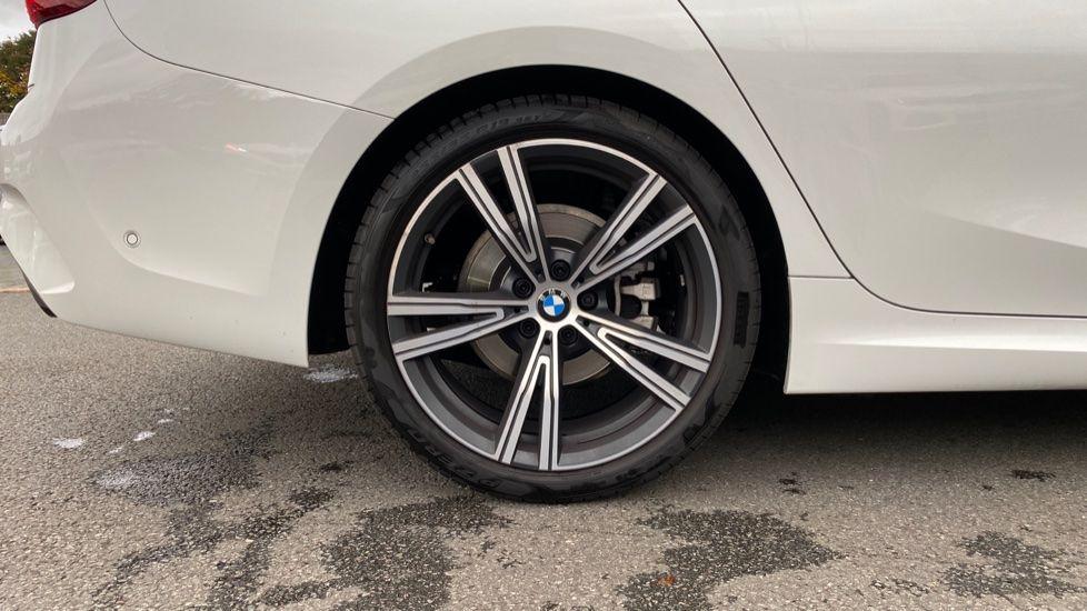 Image 14 - BMW 320i M Sport Touring (YG20JRO)
