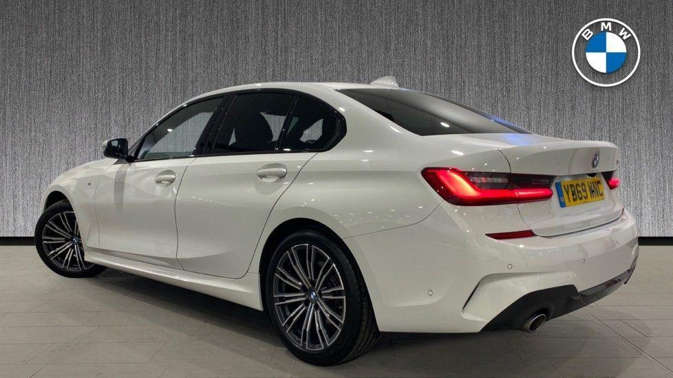 Image 2 - BMW 318d M Sport Saloon (YB69WNC)