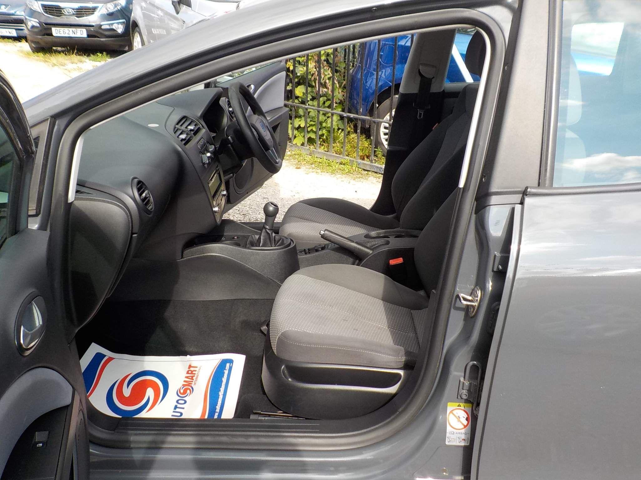 SEAT Leon 1.6 TDI CR S Emocion 5dr