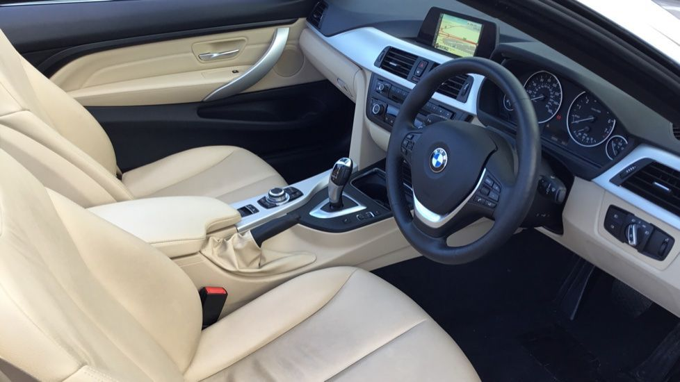 Image 8 - BMW 420i SE Convertible (GN17PCY)